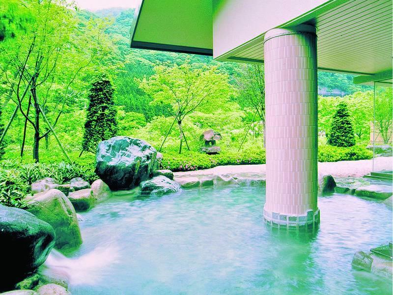 【露天風呂】自然を感じながら湯浴みを楽しめる