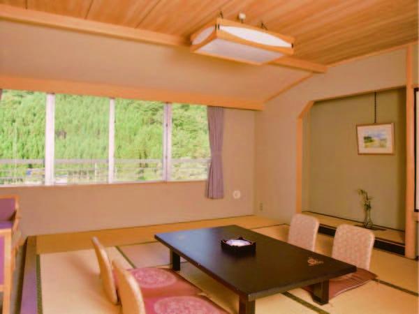 【和室/例】広さ10畳のスタンダードなお部屋