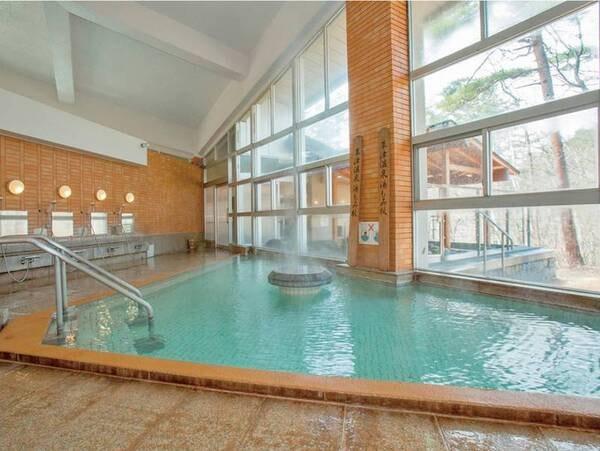 【露天風呂】静かな森の四季豊かな景色を楽しみながら