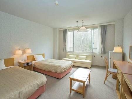 【洋室/例】3名1室の場合、1名様はソファーベッドとなります