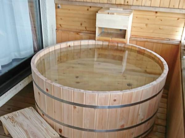 【湯宿 いわふじ】草津の静かな別荘地に佇む全5室の隠れ宿。露天風呂付のお部屋で草津の名湯を満喫。