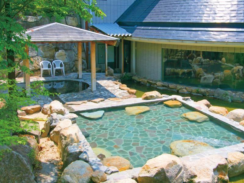 【露天風呂】疲労回復、ストレス解消に最適のアルカリ性単純温泉♪