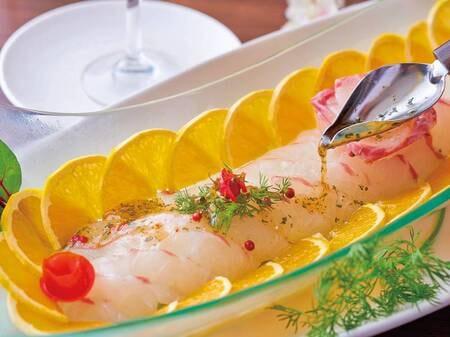 バイキング 3月~5月春の料理フェア「鯛のカルパッチョ」/例