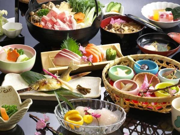 【義民鍋プラン】名物の義民鍋と季節の旬な食材を使用した会席をご用意!