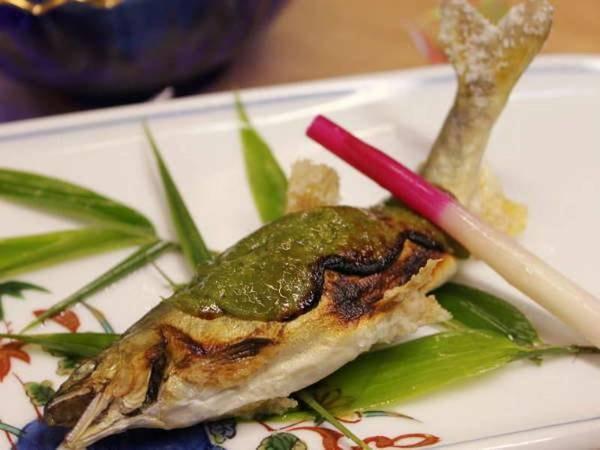 【夕食/例】地元の食材を使用した季節のお料理を堪能