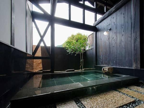 【旅籠屋 丸一】全室二間続きで開放的な空間。江戸時代創業のる猿ヶ京温泉のなかでも最も歴史が深いお宿です。