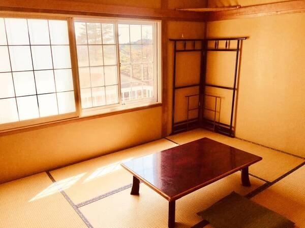 【和室一例】和の風情を感じさせる佇まいのお部屋です