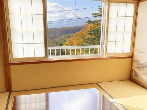 【和洋室一例】天気のよい日には山並みを一望できます