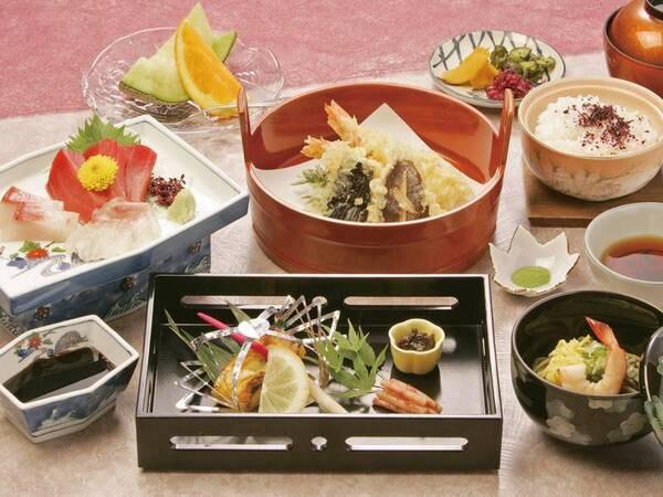 【和会席/例】御在所岳の山の幸、伊勢湾の海の幸など、四季折々の地の食材をふんだんに生かした料理を楽しめる