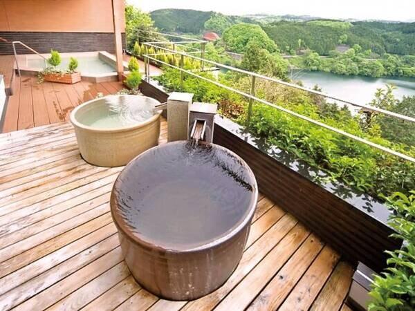 【信楽焼陶製つぼ湯】 日本六古窯のひとつ、信楽焼きのお風呂を堪能いただけます。