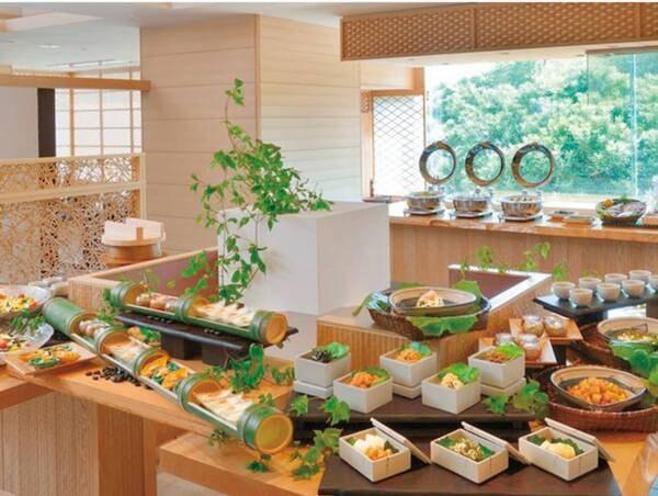 【ご朝食】伊勢志摩の恵みを堪能!和洋ブッフェをご用意※写真は一例