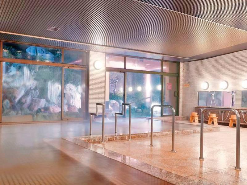 「療養泉」の大浴場