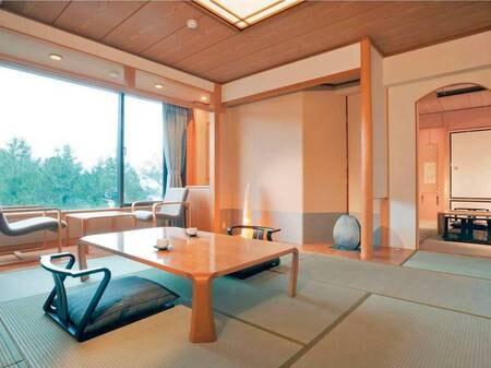 【和室「坂手・菅島」(8畳+6畳の2間続き)/例】8畳の和室には縁側があり、ゆったりお寛ぎ頂けます