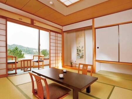 【和室8畳/例】純和室のしつらいも清々しい落ち着きあるお部屋は、お客様の楽しい和みをさらに演出します
