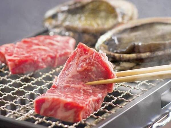 三大味覚コース(写真/例)お一人様につき「アワビ1個と松阪牛(50g)」をプラス!