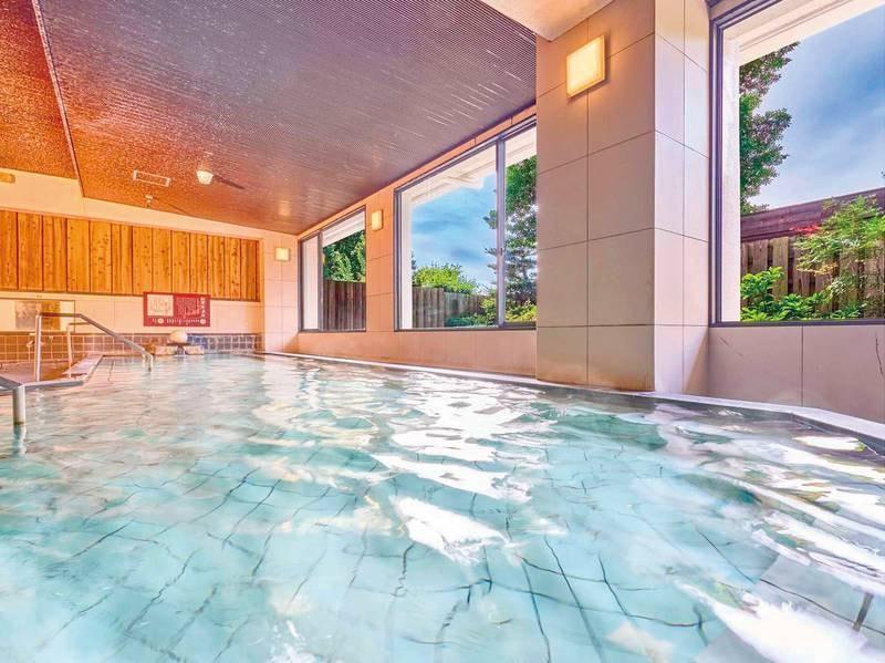 【大浴場】レジャーや旅の疲れをいやしてくれる温かな湯