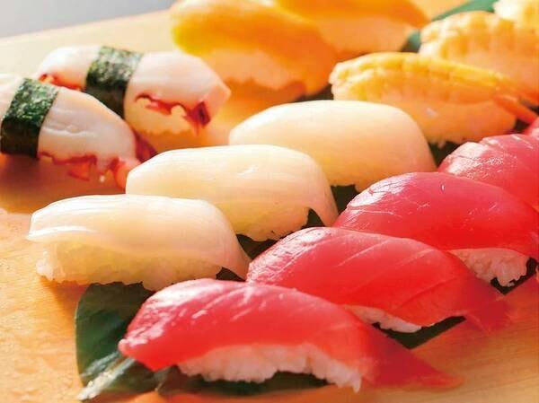 9/1~11/30【秋の料理フェア】握りたて寿司 3種(赤海老、まぐろ、日替わり)/例