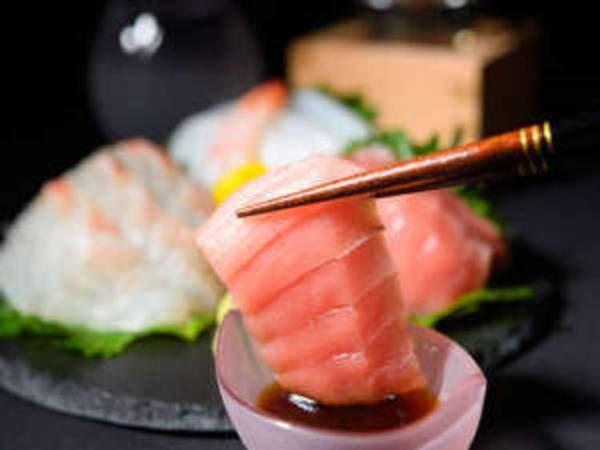 夕食は伊勢志摩の「美味しいものを少しずつ」がコンセプトの会席料理です