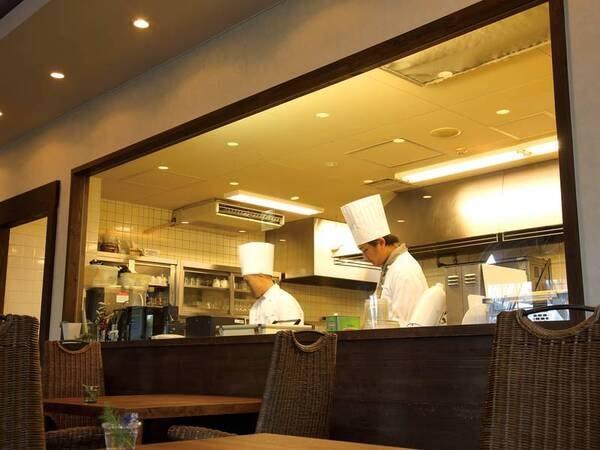 レストラン(オープンキッチン)
