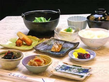 【ご朝食】和定食を会場食にてご用意いたします