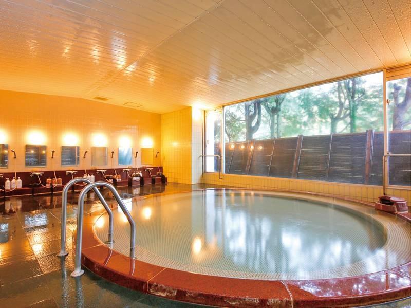 【温泉大浴場】少し温めの泉温で長湯におすすめ