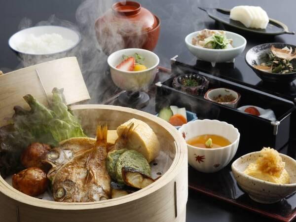 朝食一例/春・夏の副菜、新鮮野菜のほっくり蒸篭蒸しがおすすめ!