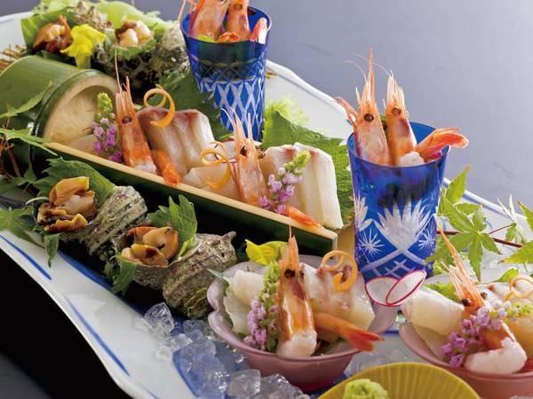 【鮮魚大皿盛&黒毛和牛付会席/例】丹後で獲れた鮮魚を大皿盛に!黒毛和牛のミニステーキも頂ける!