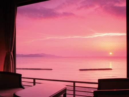 海側/本館和室からの眺望※海に沈む夕日は4月上旬~9月上旬が見頃
