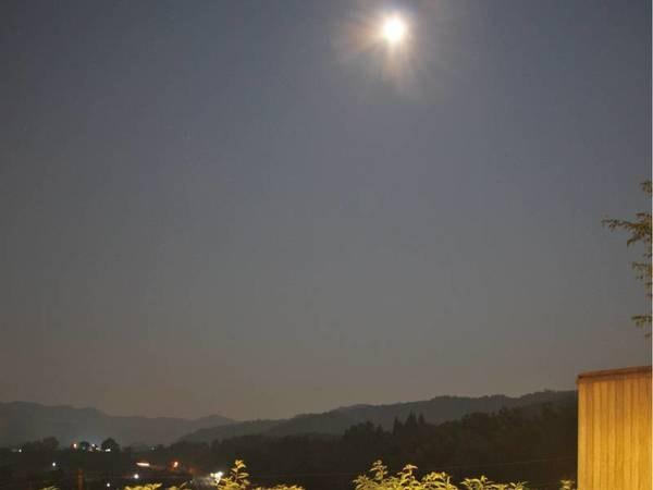 澄んだ空気と静寂の丹波。夜は満天の星や流れ星を愉しめる。