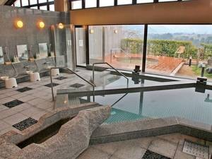 【大浴場/香明の湯】光明石、薬草、サウナ、露天の4つの風呂が楽しめる
