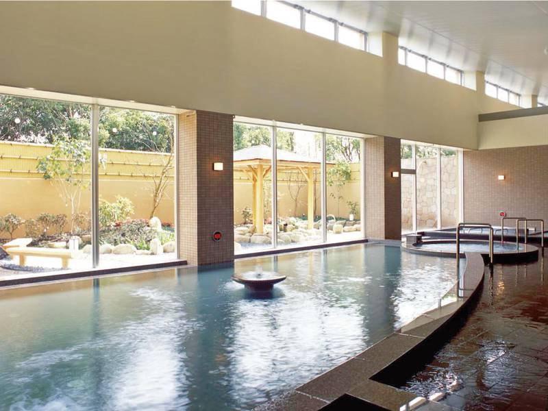 【大浴場】竹の郷温泉の広い浴槽