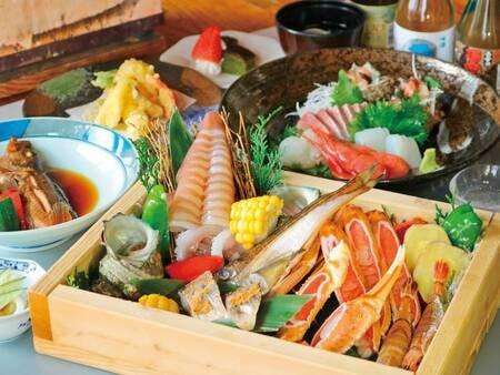 【海鮮美味10種のトロ箱盛り!】人気の当館自慢の炭火焼き ※写真一例