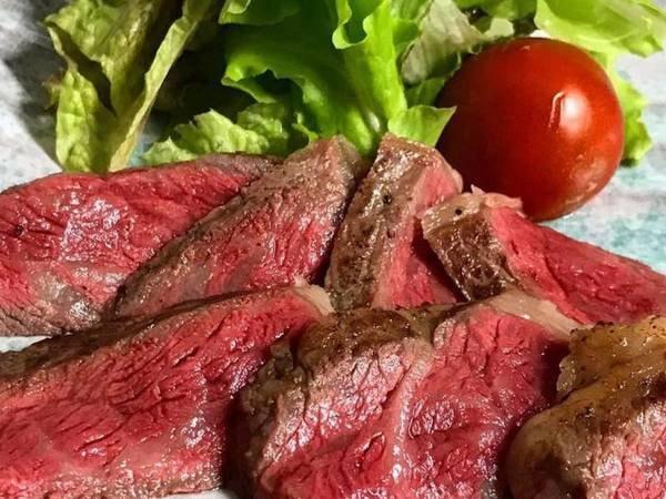 魚料理と和牛ステーキの潮風プラン(一例)板長オススメの品脂がしつこく無く、柔らかいお肉と旨みのある肉質