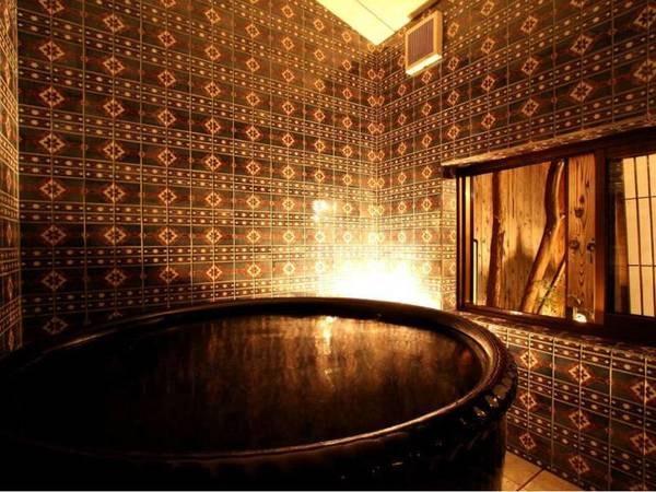 信楽焼のお風呂/信楽焼きの手作りのお風呂でゆったりのんびり、遠赤外線効果で身も心も温まります。
