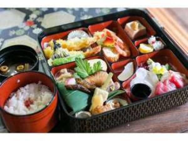 京の老舗仕出し屋さんの仕出し弁当/一例