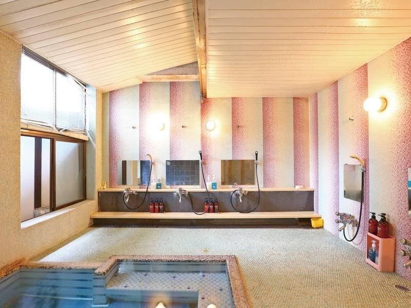 【女性大浴場】モザイクタイル貼りのレトロな雰囲気でゆったり寛げるおすすめ