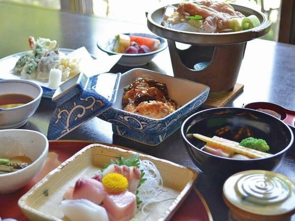 【夕食/例】佐久鯉の旨煮など滋味を楽しむ山料理