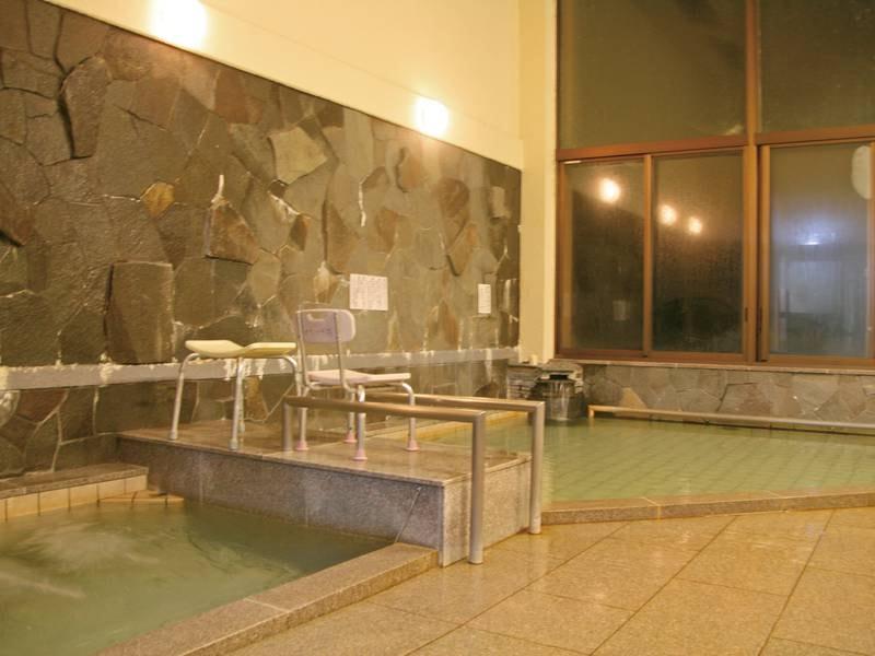 【滝風呂】温泉の飲用も可能