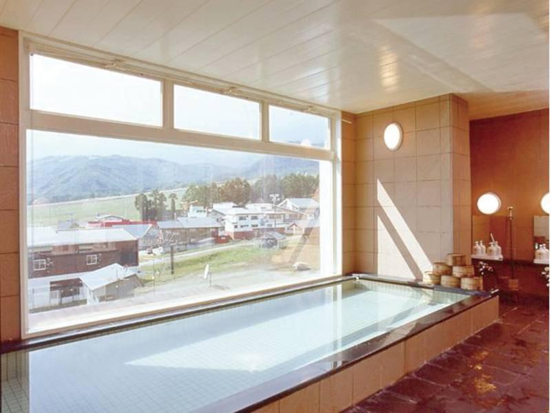 【大浴場】北アルプスの山並みを一望!