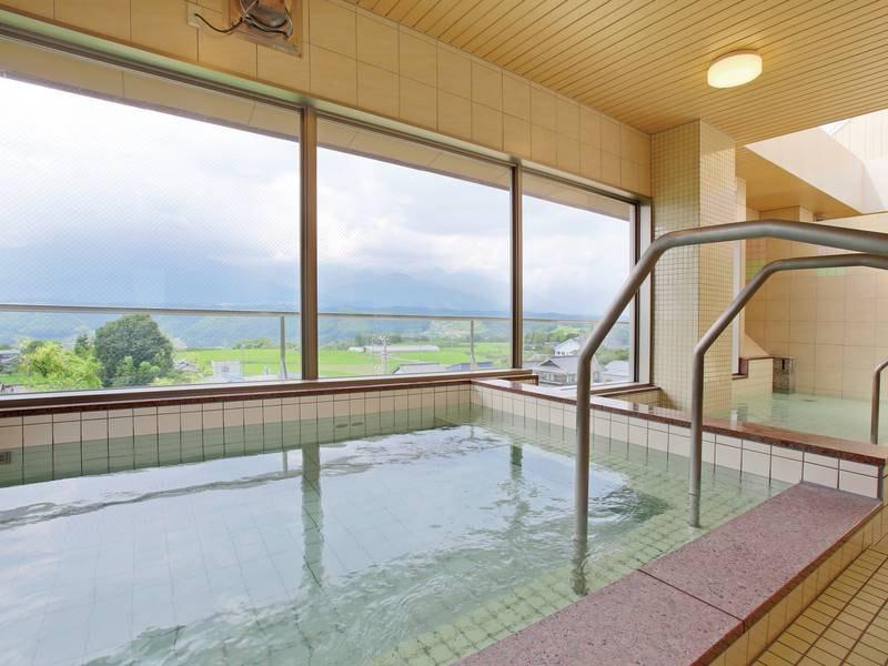 【展望風呂】アルプス一望の人工温泉