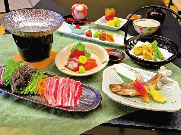 【四季を味わう望御膳/例】地元産アルプスサーモンお造り、鍋など