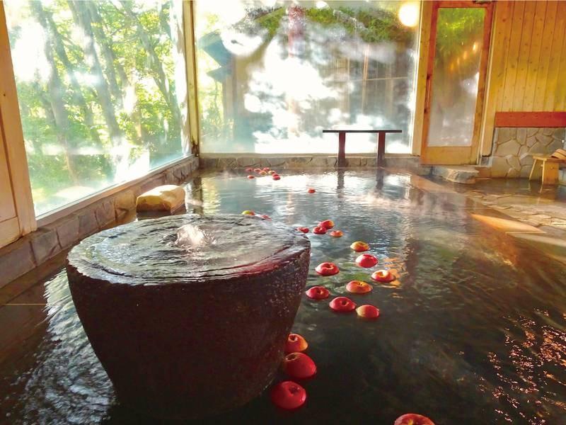 【初恋りんご風呂】10~5月は甘酸っぱい「初恋」のような香りを楽しめるりんご風呂