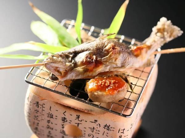 <基本>信州こだわり会席コース一例/岩魚の塩焼きは香ばしい炭火焼きで