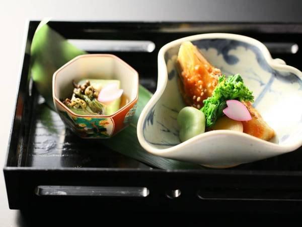 贅沢会席コース一例/(前菜)山菜や季節の野菜の優しい味を