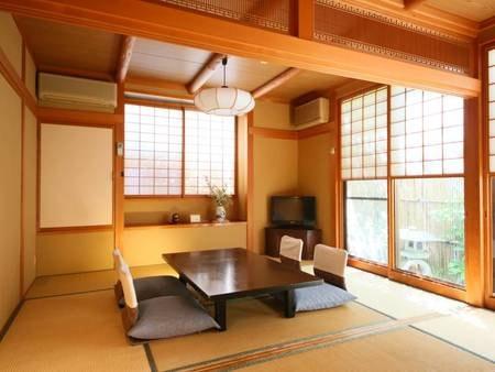 弘法館(和室12畳一例)/明るい1番広いお部屋