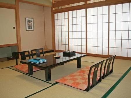 【お任せ和室/例】10畳以上の和室へご案内