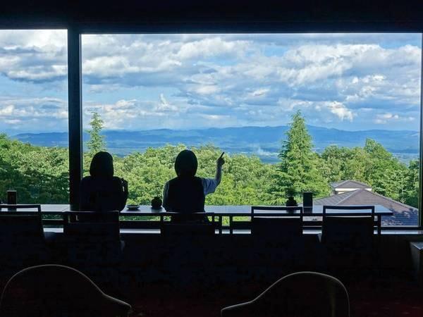 ラウンジからの眺望/那須高原を見渡します