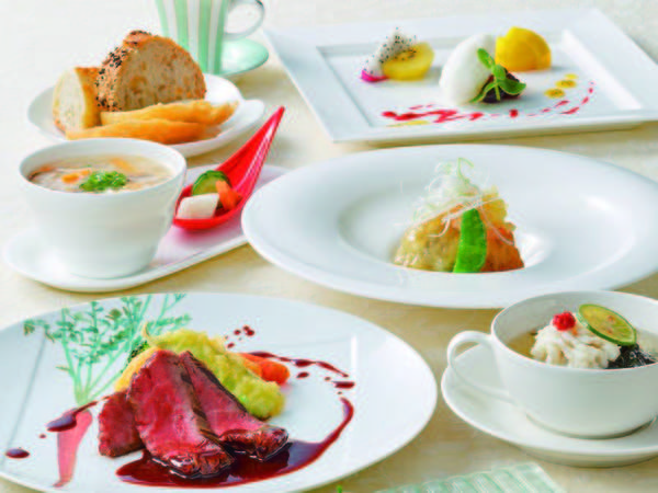 【選べるメインコース/例】柔らかなお肉料理or季節のお魚料理より選択!