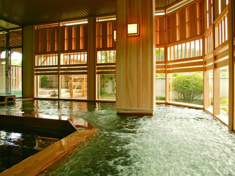 【大浴場】石造りのジャグジー付内湯(男湯)