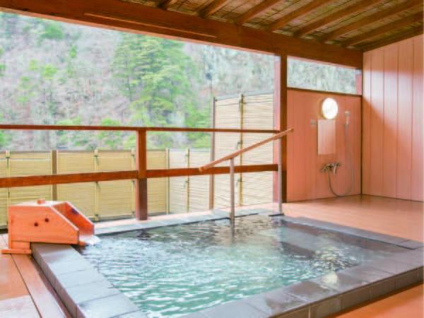 【無料貸切露天風呂「見晴らしの湯」】宿泊当日12時よりフロントにて予約受付